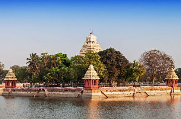 TamilNadu_Madurai_Vandiyur-Mariamman-Teppakulam-Temple-in-Madurai