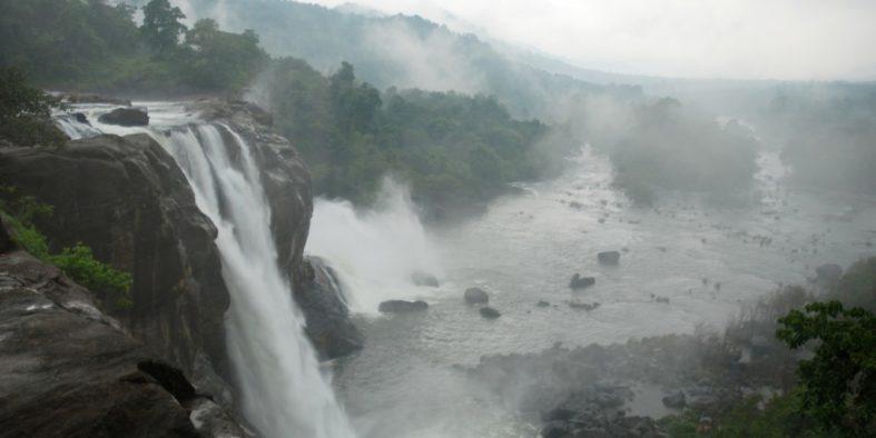 athirapally-falls-kerala-1024x685